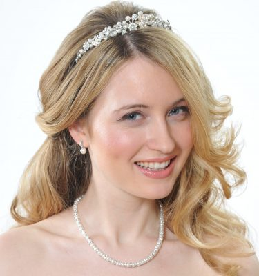 Bride with blond hair and tiara