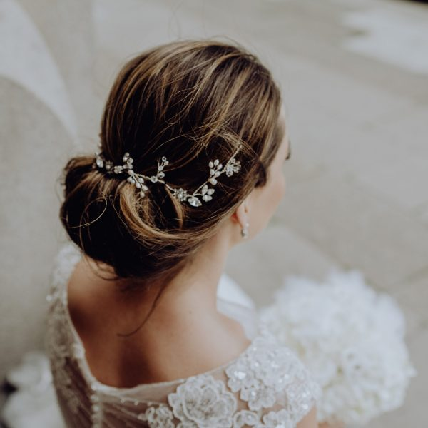 Bridal crystal and pearl hairvine